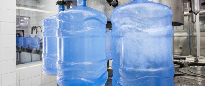 Acinam combate exclusividades no mercado de água com galão padronizado